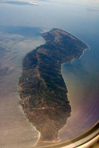 Πανοραμική φωτογραφία της Ικαρίας από αεροπλάνο.