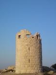 Ο πύργος του Δράκανου στο ανατολικότερο σημείο του νησιού.